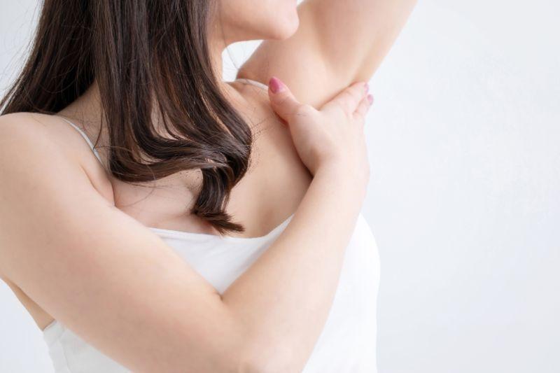 脇脱毛って痛いの?痛みを抑えるためのポイントとは